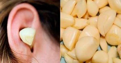 Lose Weight Market sddefault-390x205 Look what happens if you put a GARLIC CLOVE in your ear