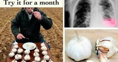 Lose Weight Market sddefault-5-390x205 This man ate garlic every day, fasting; Look what happened